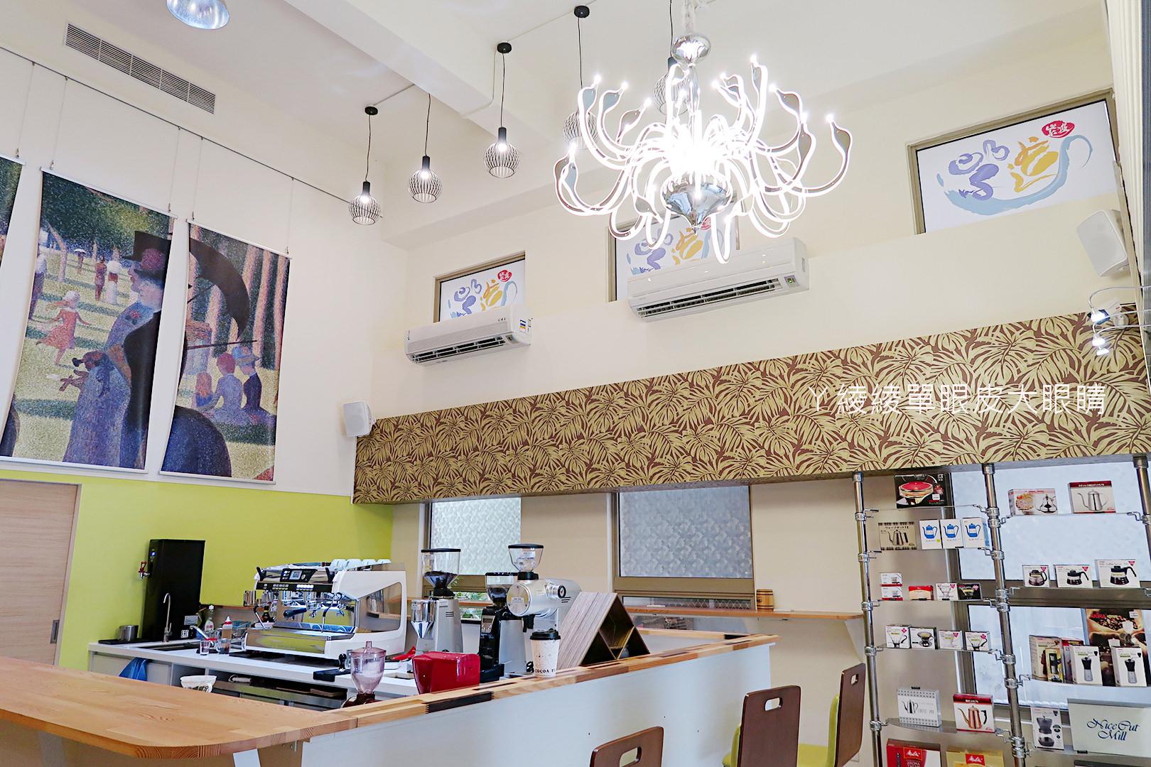 新竹咖啡!巨城附近有浮誇系宮廷咖啡店,紫進咖啡