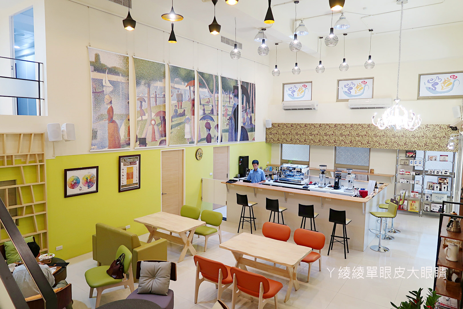 新竹咖啡|巨城附近有浮誇系宮廷咖啡店!紫進咖啡