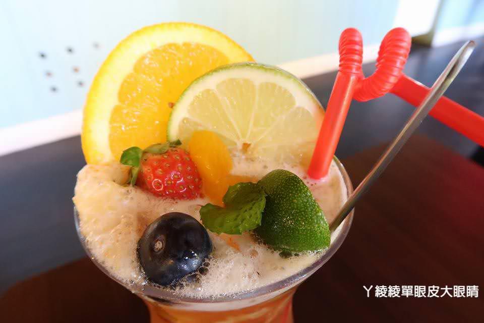新竹IG打卡熱門旅遊景點、新竹美食餐廳推薦《新埔普羅旺斯小木屋餐廳》