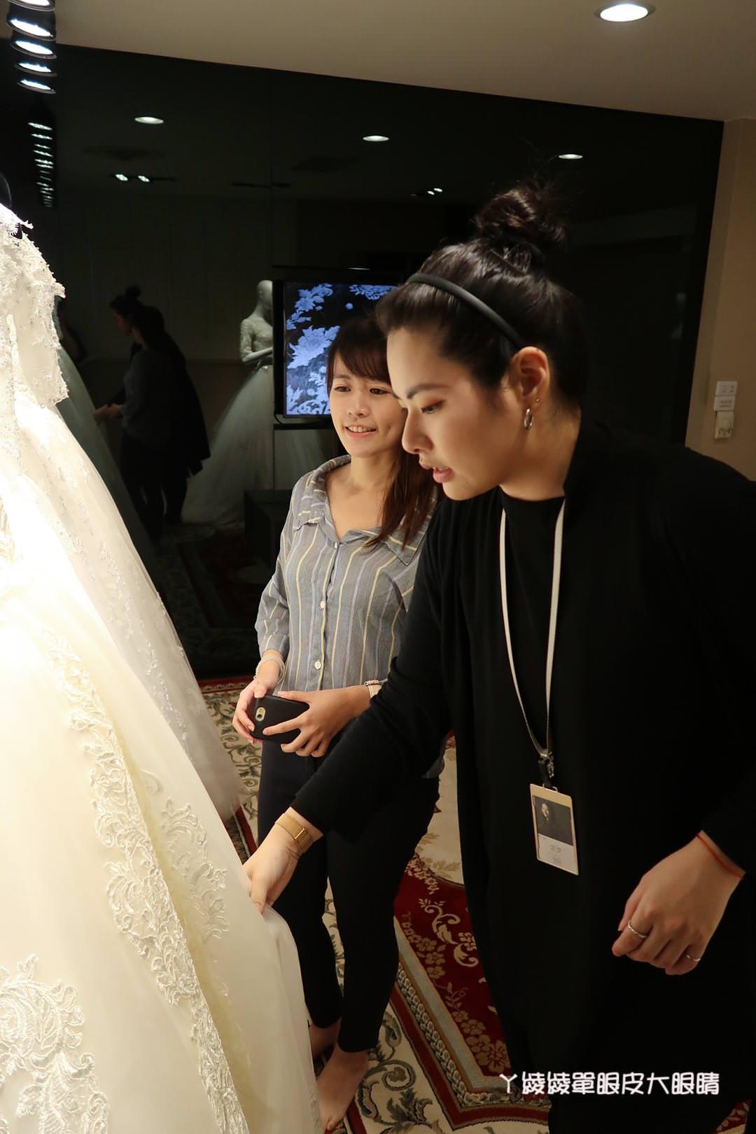 台中婚紗店《白宮精品婚紗》準新娘看過來!禮服 婚紗照 孕婦寫真 全家福照