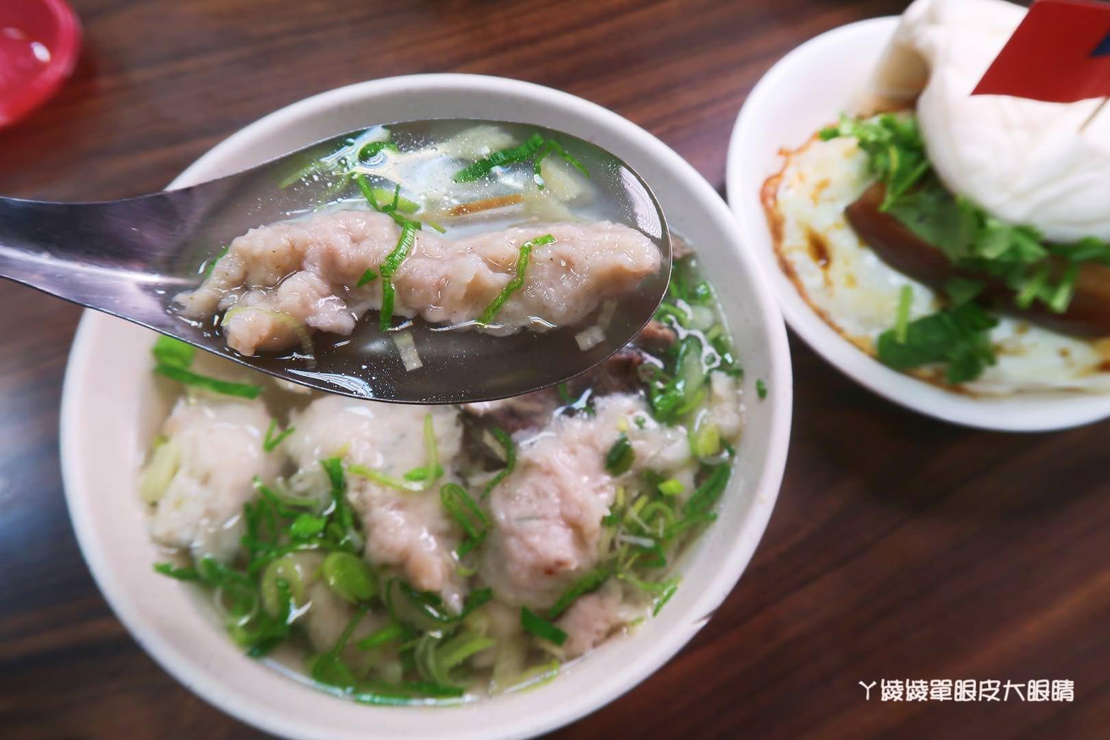 新竹滷肉飯推薦禾日香魯肉飯!CP值爆高的海鮮什錦麵,還有超犯規泰式打拋豬飯