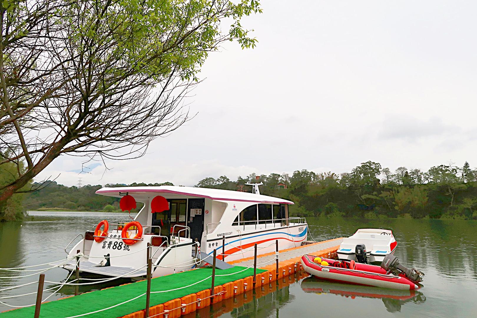 新竹峨眉一日遊!峨眉湖綠能觀光遊艇正式啟航 十二寮天主教堂 免費商店等新竹旅遊景點懶人包