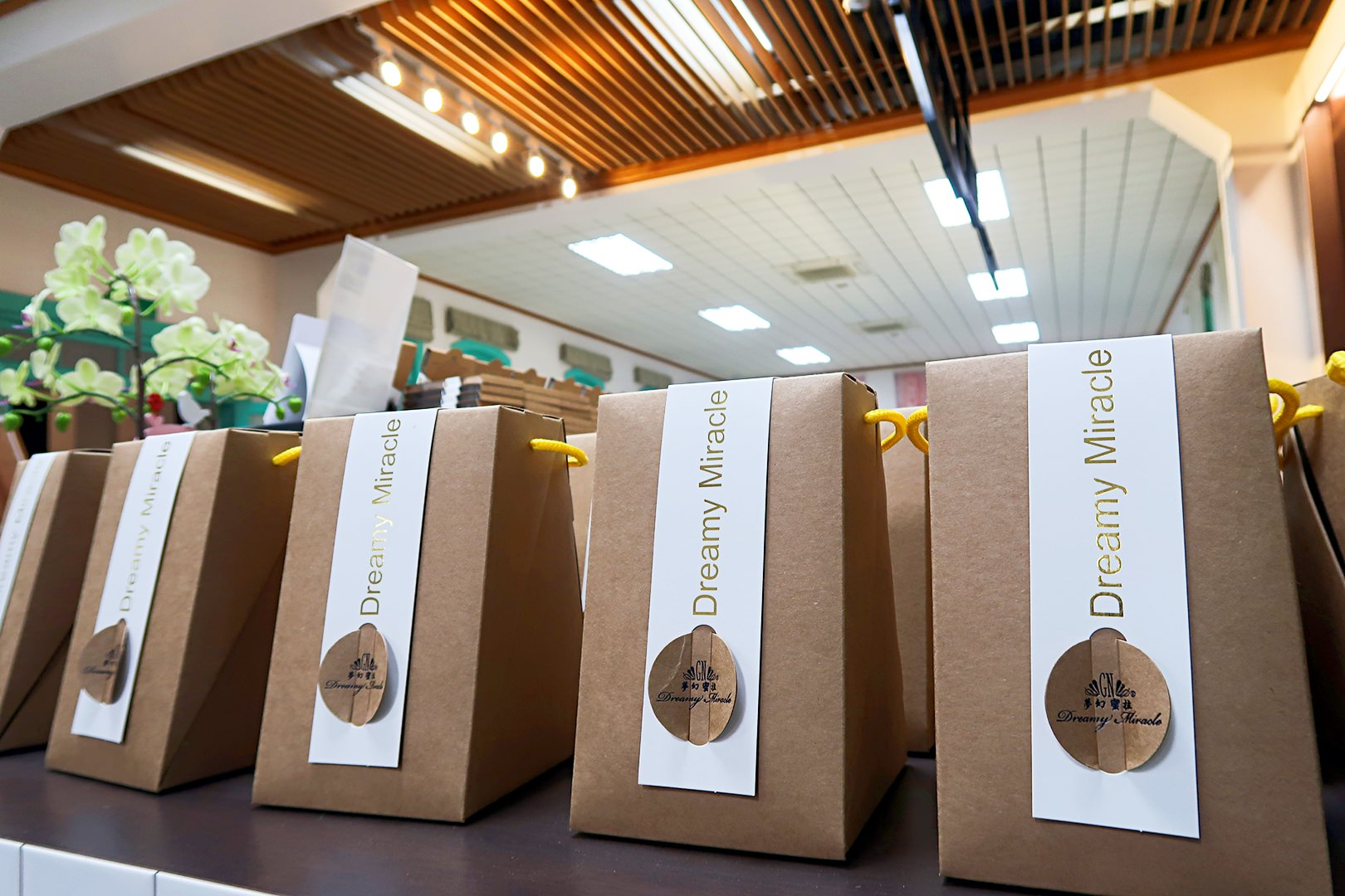 台南火車站美食|夢幻蜜拉Dreamy Miracle北門店新開幕,超人氣水果冰棒、夢幻漸層飲