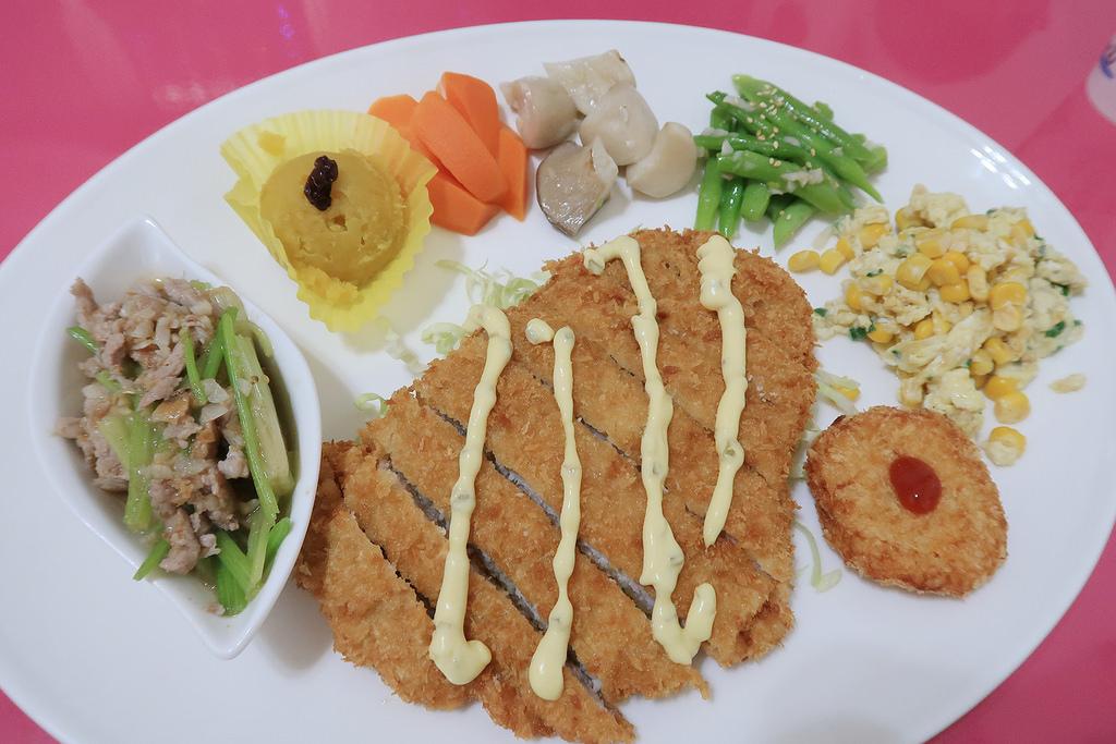 新竹竹北親子餐廳推薦!荷霈寶貝屋,寶寶抓週收涎
