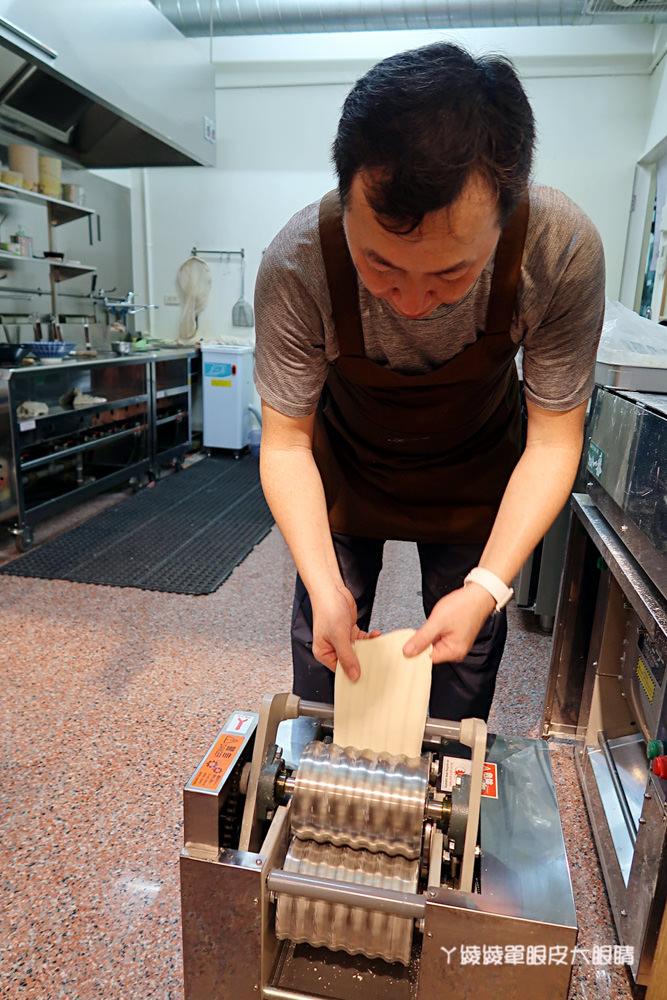 新竹竹北美食推薦|麵角麵食館,只用鹽水和麵粉做出的好吃麵條!