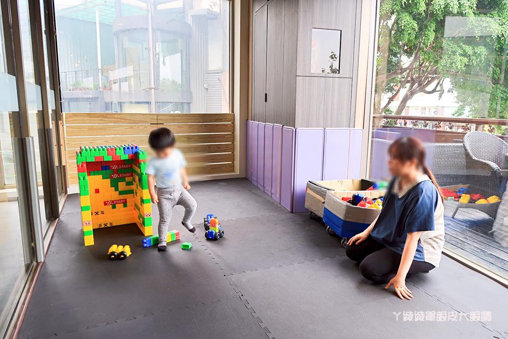 新竹火車站附近新開幕的高跟鞋主題餐廳,來自高雄的秘蜜基地!附設兒童遊戲區