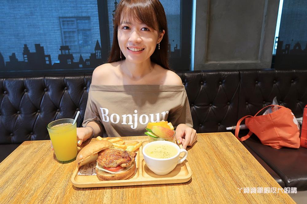 新竹平價早午餐|双黃早餐店,匈牙利辣味雞腿堡、花生醬起司牛肉熱壓三明治