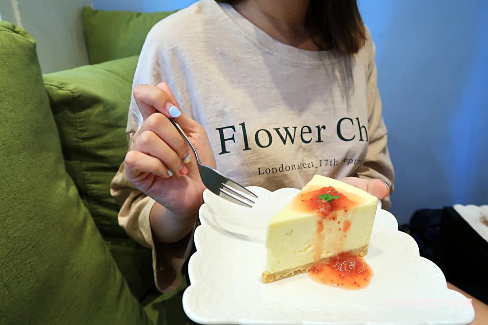 新竹義大利麵!新竹網美餐廳About Cafe,超爆量白酒蛤蜊義大利麵
