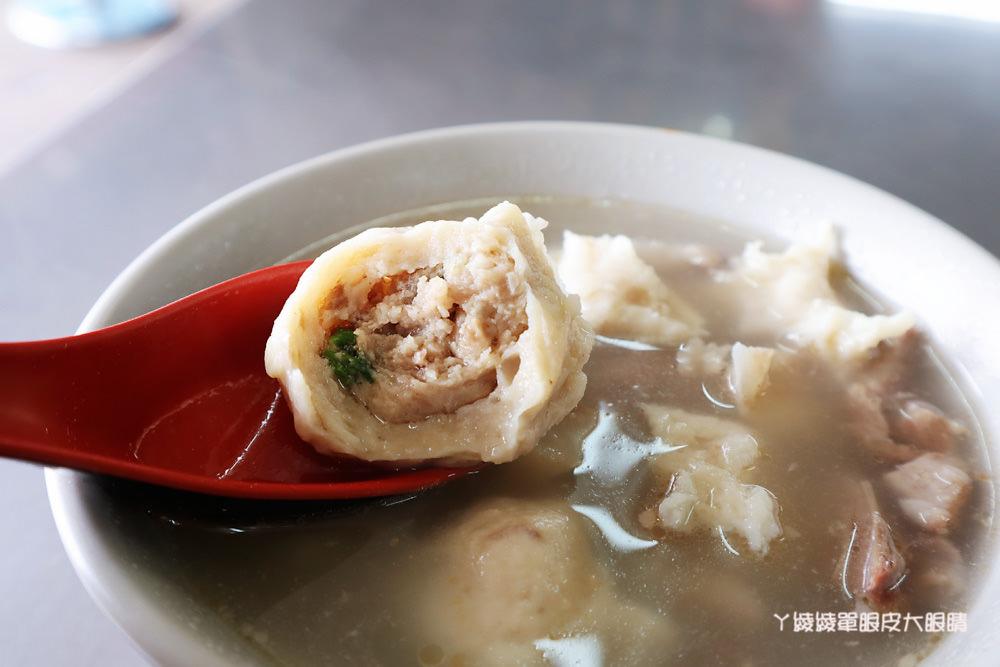 新竹美食小吃推薦鷹王肉圓,內行人一定要吃肉圓配香腸!隱藏在空軍基地旁飄香近六十年的好吃肉圓