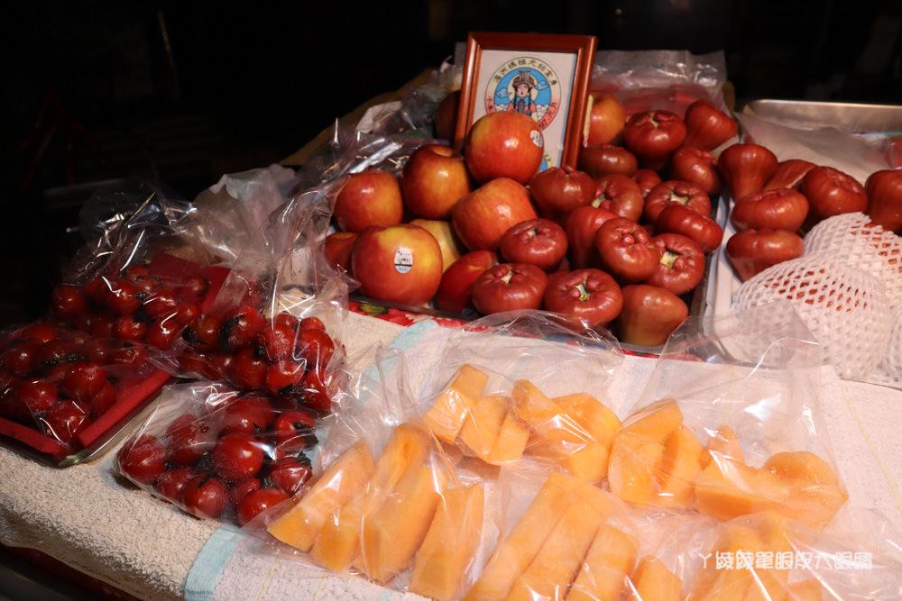 新竹水果阿嬤,深夜賣水果到天亮,新鮮水果可現切!復興鴨肉冬粉附近