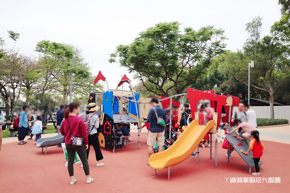 新竹免費親子旅遊景點推薦!新竹公園大沙坑,北台灣最長特色沙坑在新竹孔廟、新竹動物園旁