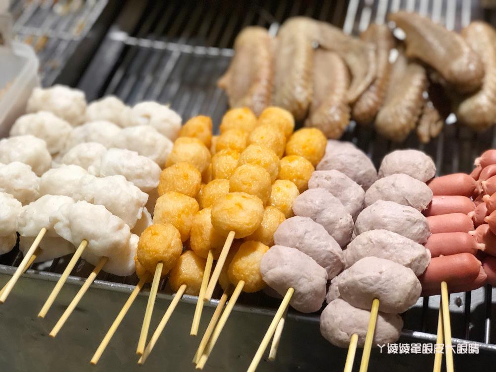 新竹宵夜推薦三兄弟燒烤,東山街好吃的鹹酥雞!人氣招牌必點雞腿排跟魷魚