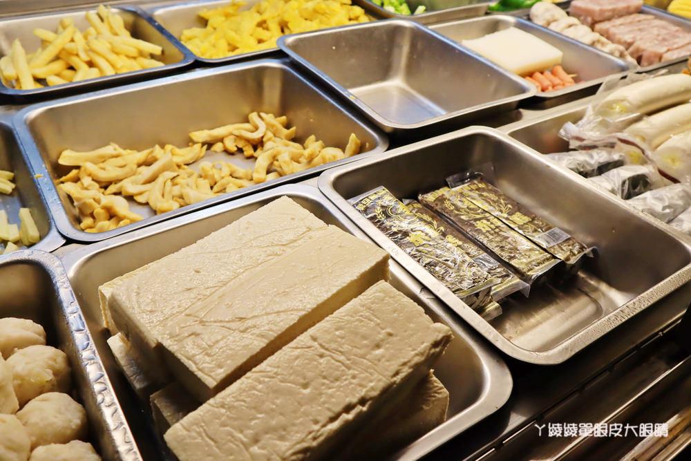 這家鹹酥雞就是要等!新竹香山宵夜美食平價好吃的鹽酥雞,沒有電話只能現場點單等候的排隊美食
