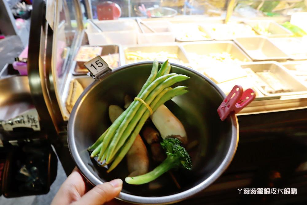 新竹鹽酥雞推薦!新竹香山宵夜美食,平價好吃的壹坪半鹽酥雞