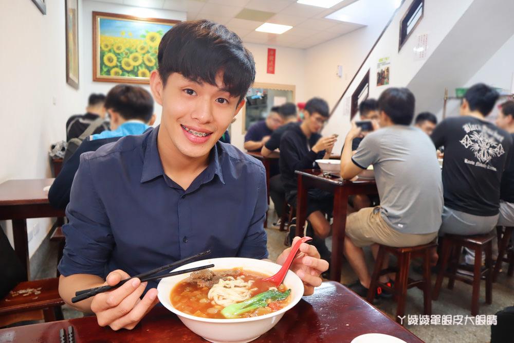 新竹牛肉麵 新竹馬偕醫院附近的如意牛肉麵,你吃過南瓜牛肉麵嗎