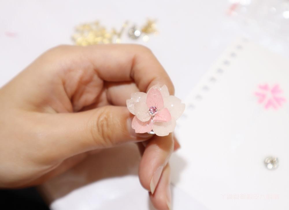 新竹押花課程推薦!弦悅草植物押花美學,一個人就可以來上課!做出獨一無二的真花珠寶