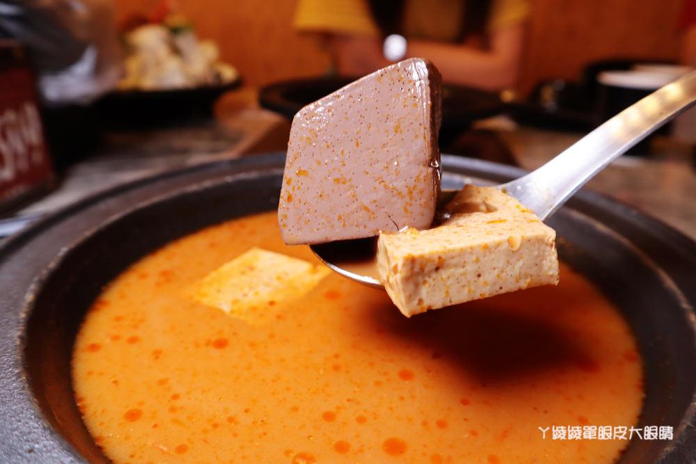 新竹火鍋推薦嗑肉石鍋新竹經國店!肉肉狂人必吃!大份量肉盤只要兩百多元,花599元就能爽吃和牛