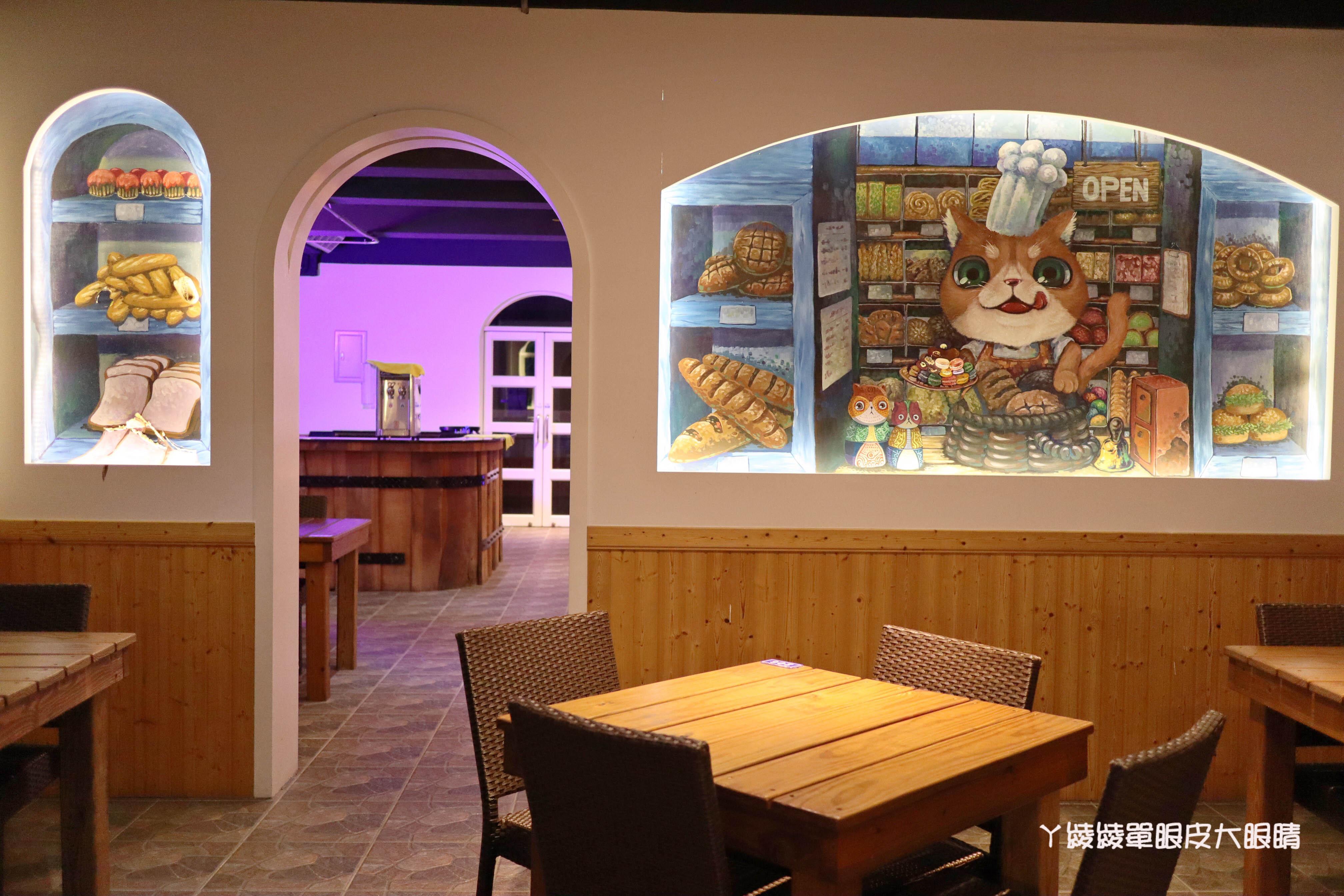 新竹旅遊景點推薦!山丘上景觀咖啡館,新竹湖口看夜景約會的好地方!地中海風格藍白建築