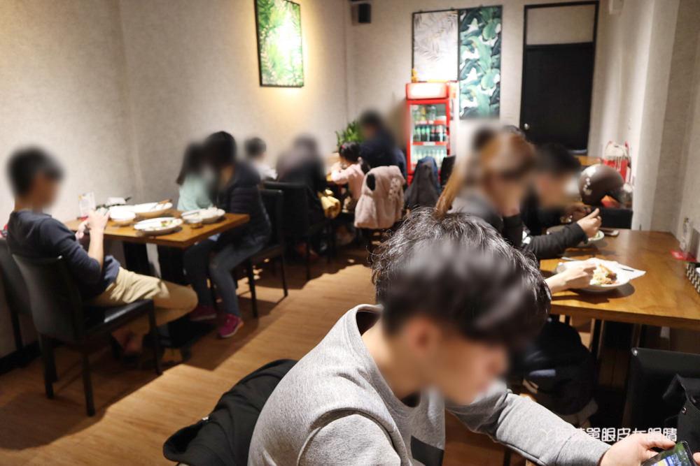 新竹平價泰式料理推薦泰泰!百元上下就能吃到的泰式料理餐廳,一個人也可以來吃泰式小吃