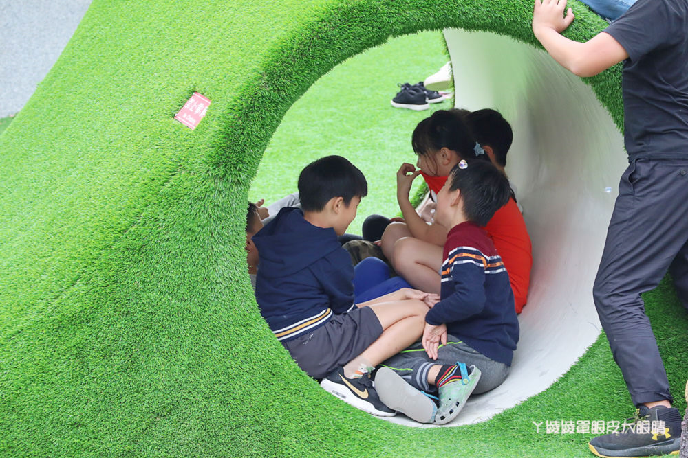 新竹親子旅遊景點推薦竹東台泥公園!台泥舊廠大變身!特色磨石子溜滑梯打造全新共融兒童遊戲場