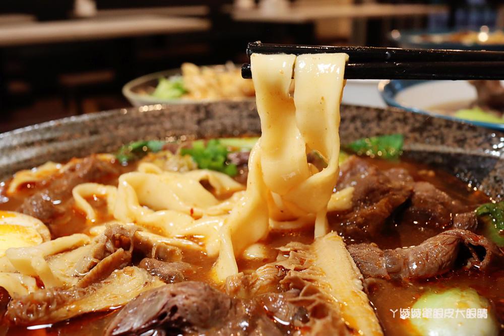 新竹牛肉麵推薦牛太鉉牛肉麵館!竹東人氣爆表的紅燒牛肉麵百元有找,台泥公園附近美食小吃