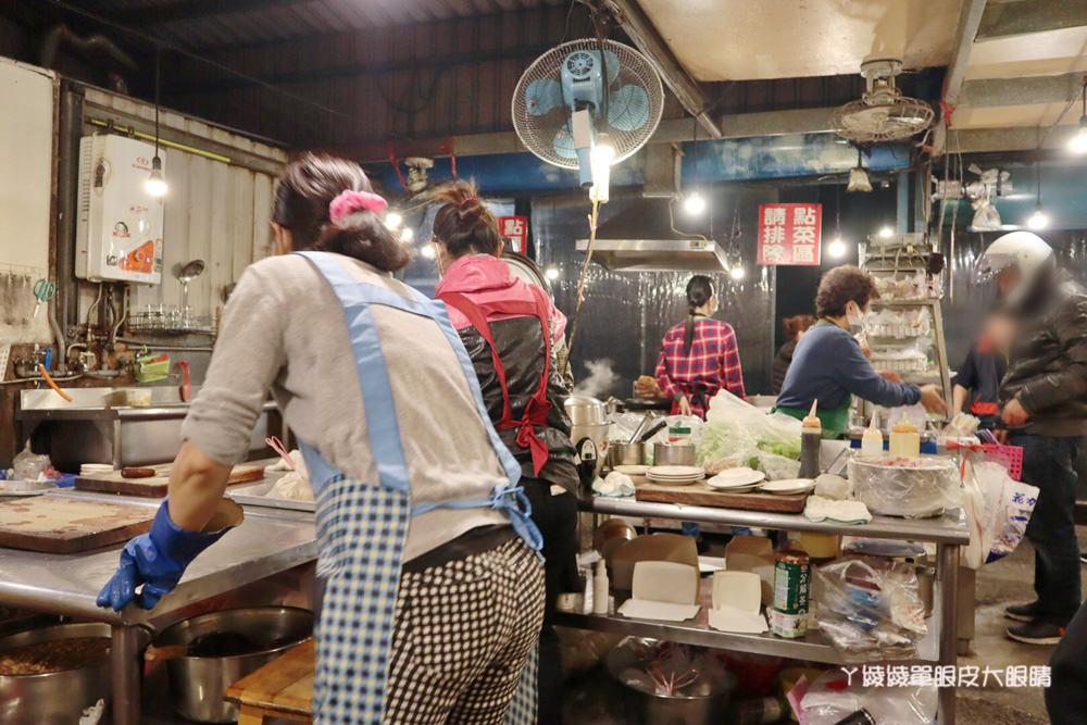 新竹宵夜美食延平大飯店!新竹人氣美食必吃炸肉跟雞捲,越晚生意越好