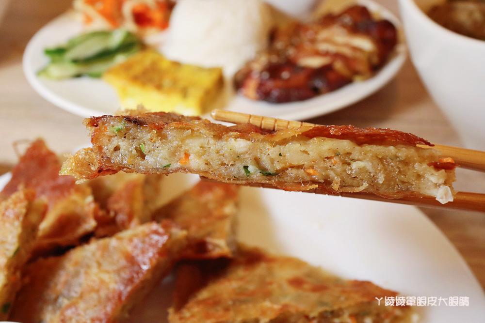 跨國越泰美食搬家了!超浮誇泰式排骨滑山,新竹美食推薦必吃泰式串烤跟越式排骨湯麵