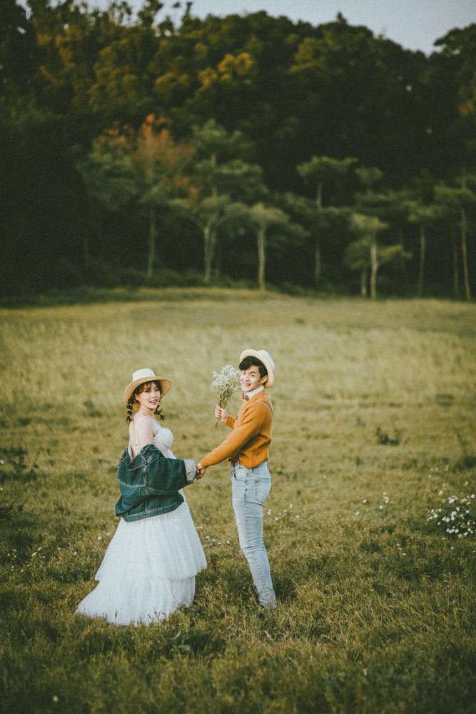 新竹婚紗攝影工作室推薦|路地裏火星兔子,另類藝術風格婚紗!新人婚紗試穿攝影分享