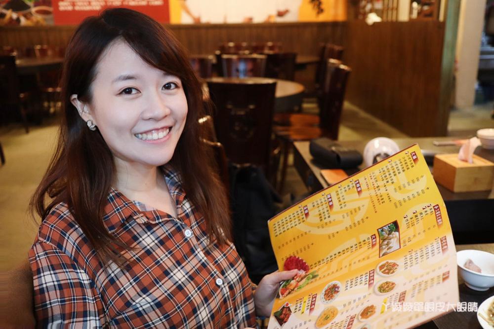 新竹美食小吃|西市汕頭館北大店,新鮮沙茶牛肉火鍋加上超人氣必吃金沙臭豆腐