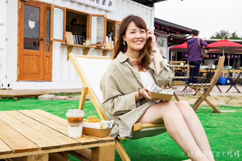 新竹南寮貨櫃咖啡廳推薦HI HAI!新竹網美打卡景點,好美的純白色系咖啡屋!邊喝咖啡邊吹海風