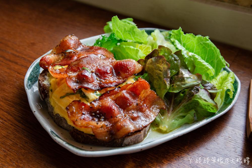 新竹巨城附近美食推薦微生!新竹老宅文青早午餐,在老屋品嘗美味飯糰及咖啡甜點