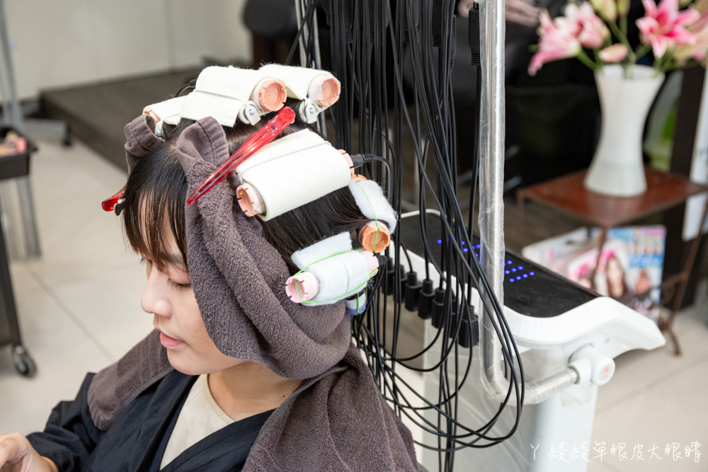 新竹染燙推薦千羽時尚髮藝!秋冬必染髮色搶先看!心機款耳圈染低調展現溫柔氣質