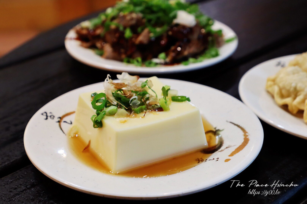 新竹城隍廟美食安田麵屋!拉麵份量大又平價,叉燒一次來六片就怕你吃不飽