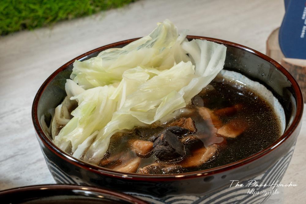 你吃過中了化骨綿掌的雞腿嗎?新竹燉品外帶專門店,美味雞湯用料實在,晚間限量供應排骨湯賣完為止