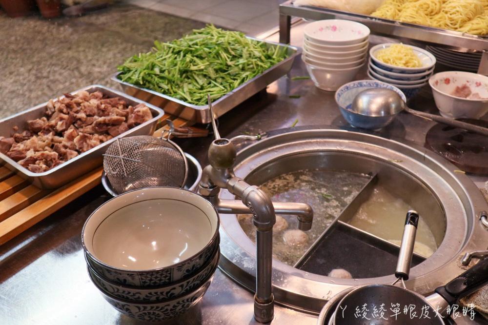 低調經營快一甲子的新竹宵夜美食,營業到凌晨!有賣肉燥飯、腰肉粥、蚵仔米粉