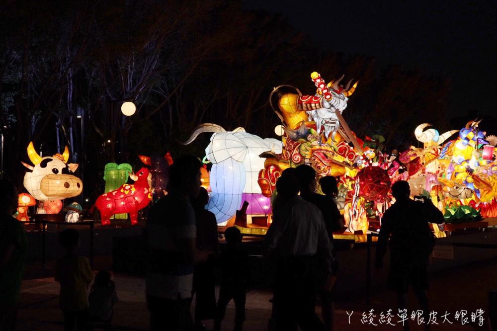 會動會噴煙的花燈在新竹!週末漫步新竹孔廟賞花燈,全國花燈競賽在新竹超過百座吸睛作品