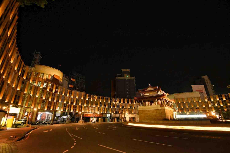 新竹光臨藝術節來了!東門城百年古蹟變成超廣角環形劇場!優人神鼓線上演出