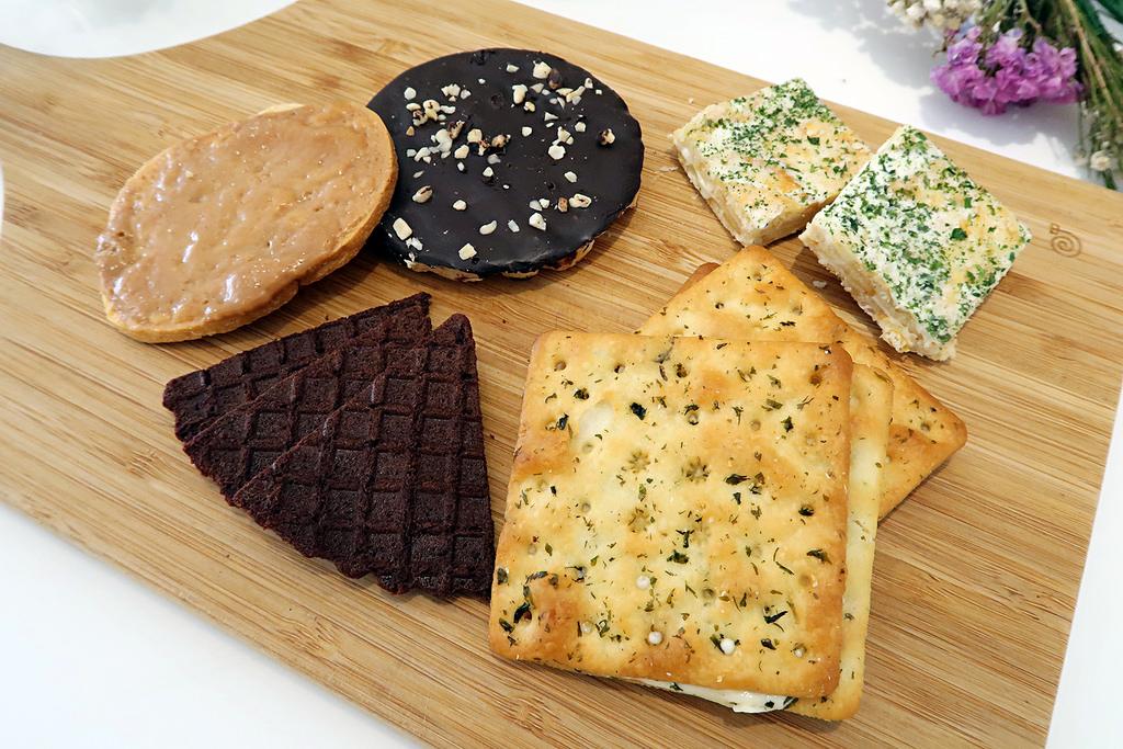 新竹伴手禮推薦《法樂公爵手工坊》!竹北法式手工餅乾、牛軋糖、彌月禮盒、結婚禮盒、團購宅配推薦