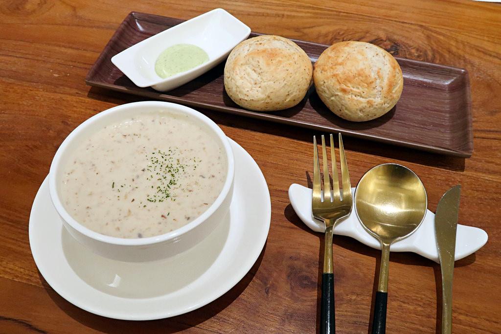 新竹好市多附近美食!YATS葉子|新竹義式餐廳推薦,北歐裝潢、氣氛浪漫、餐點好吃