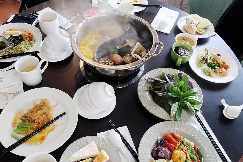 ▌桃園大溪旅遊美食 ▌歡樂夢想國 ♡ 百食繪素食吃到飽,推薦桃園住宿/餐廳/親子旅遊