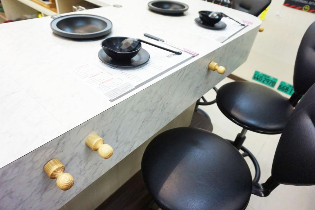 苗栗火鍋推薦!醉食在石頭養生風味火鍋,全台首創偉士牌主題的石頭火鍋店