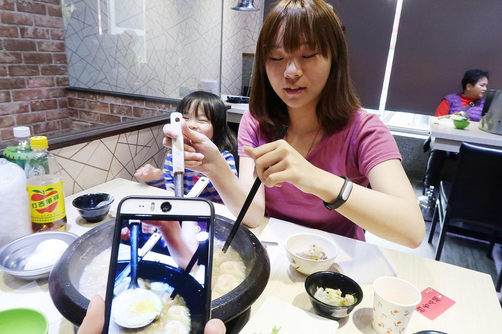 新莊石頭火鍋推薦,雅香自助火鍋城