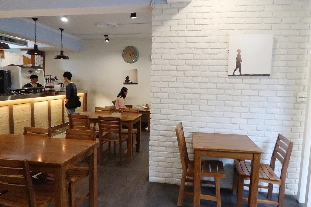 新竹開到凌晨的咖啡廳,CoffeeWood咖啡木!巨城附近早午餐、下午茶、鬆餅