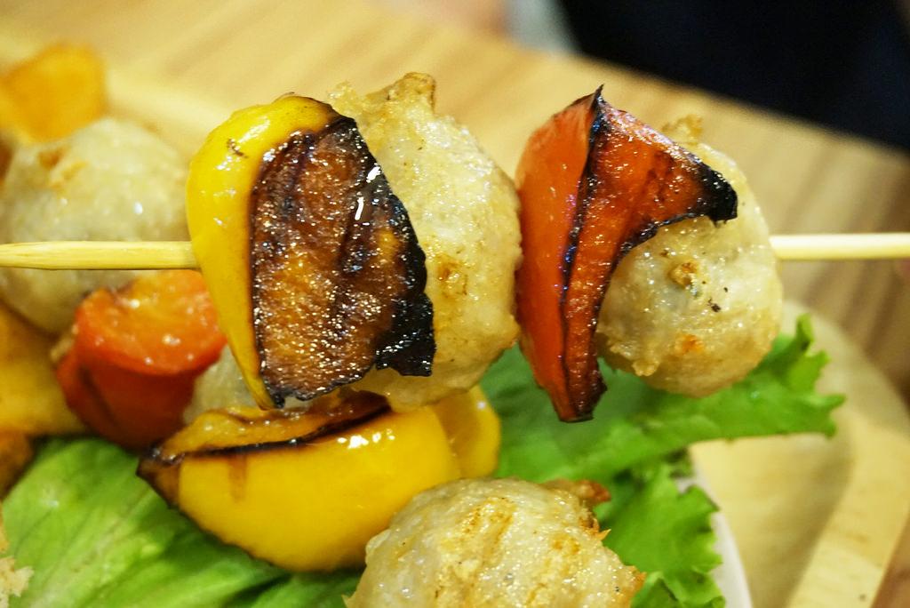 台中一中美食餐廳推薦,雙魚2次方推出創意漢堡