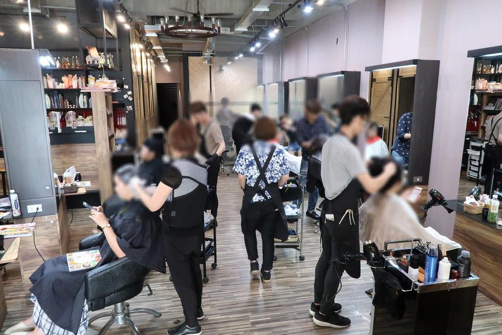 台中逢甲商圈美髮推薦!VS.hair哥德式護髮、染燙髮好選擇