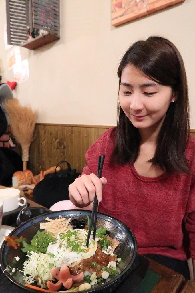 ▌新竹‧美食 ▌免費抽獎! 貓町日式洋食創意料理 ♡ 新竹寵物友善餐廳推薦!動作慢就吃不到限量蒲燒鰻魚丼囉!
