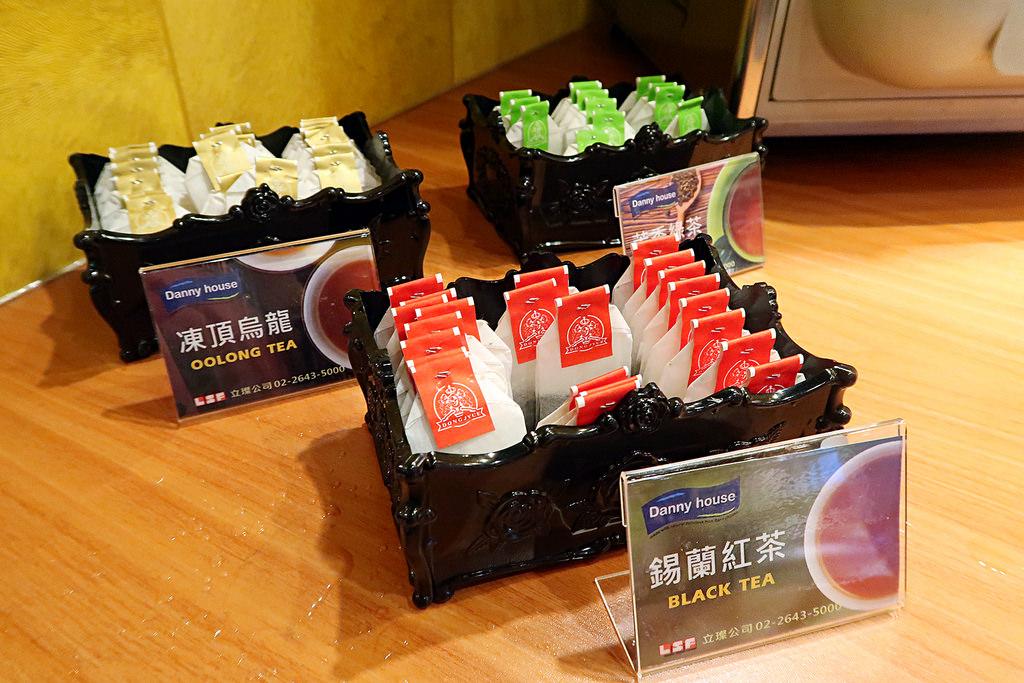 台中必吃火鍋《肉多多火鍋美村店》火鍋第一品牌、暴龍級鍋物讓你吃到嫑嫑