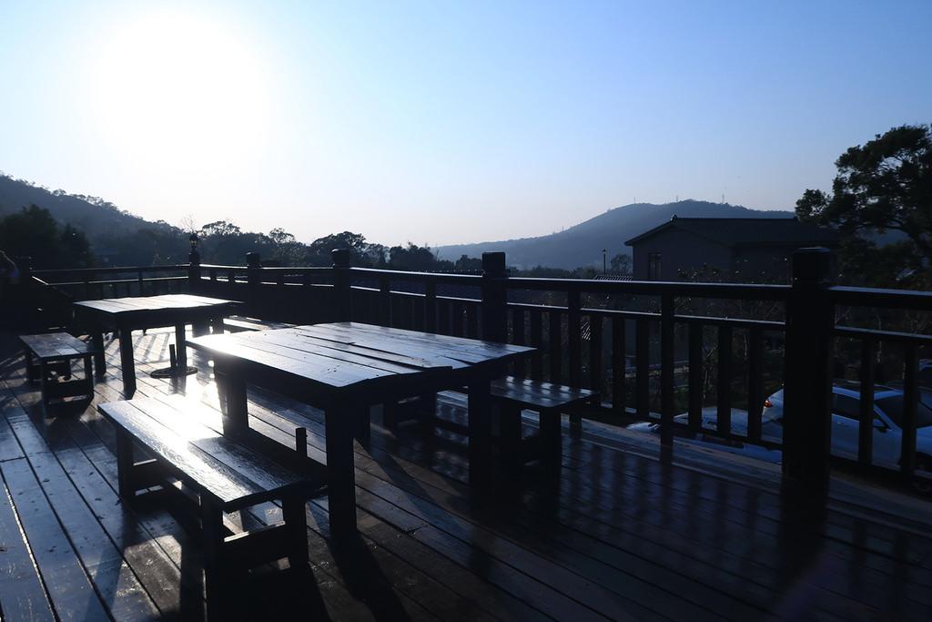 新竹美食《新埔普羅旺斯小木屋餐廳》食尚玩家推薦|新竹景觀餐廳/下午茶/一日遊