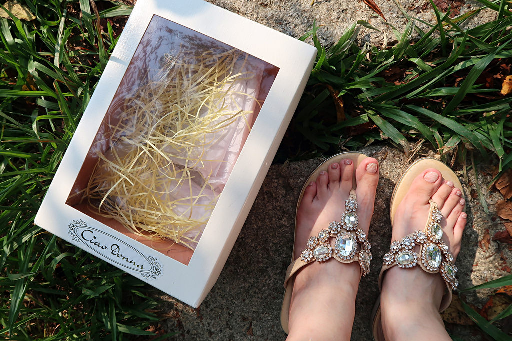 ▌穿搭 ▌Ciao Donna俏女孩|台南職人手作,晶鑽閃亮夾腳拖鞋,柔軟輕盈又亮眼的女鞋